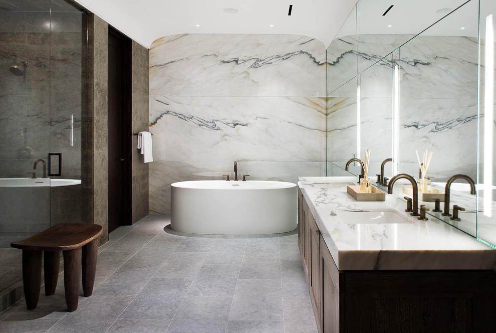 صورة الرخام على جدران الحمام قمة الروعه والخيال والجمال
