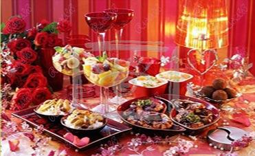 طاولات رومنسيه العشق يتجسد في طاولة طعام