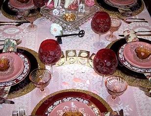صور طاولات رومنسيه العشق يتجسد في طاولة طعام