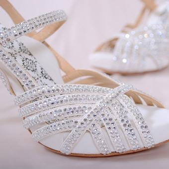 اكسسوارات عرايس شوزات رائعة الجمال لعروس شوزات رقيقة جدا للعروس